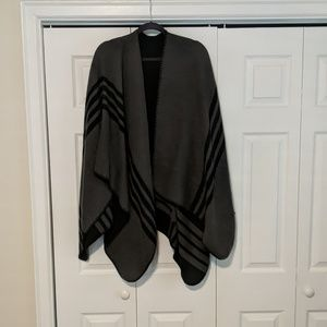 BB Dakota reversible cape/poncho